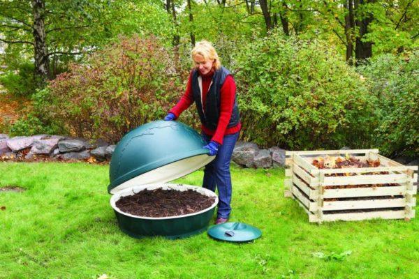 Casa pequeña compostadora