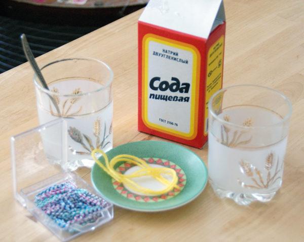 En caso de envenenamiento, es deseable tomar una solución de soda e inducir el vómito.